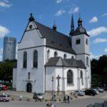 Kirche-fuer-die-Trauung-suchen-2