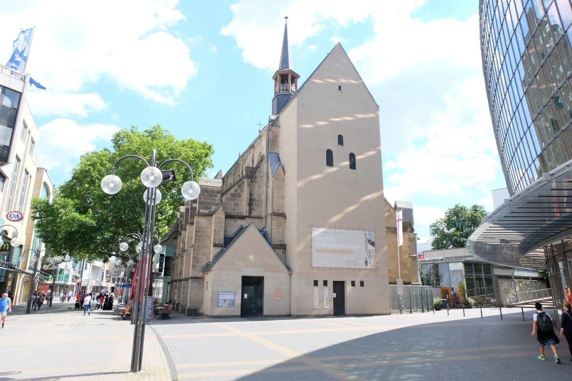 Trauzeuge Kirche